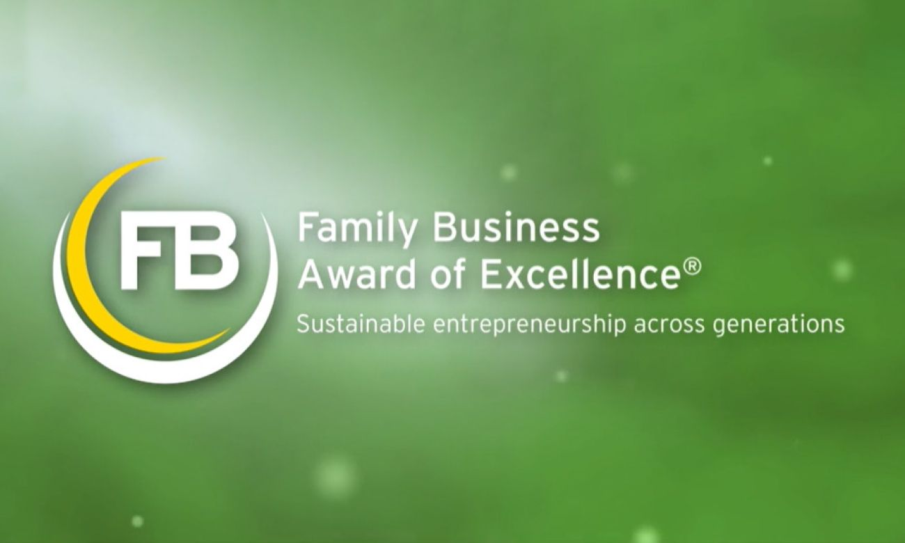 Stadsbader félicite gagnant Cartamundi avec le Family Business Award of Excellence 2020